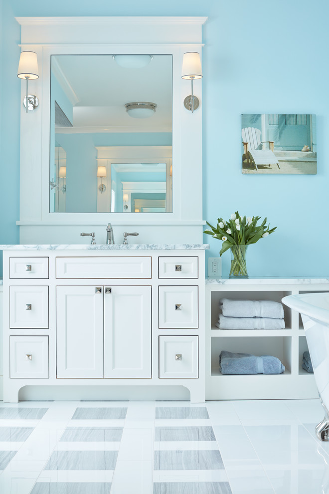 Beach-Style Bathroom Design