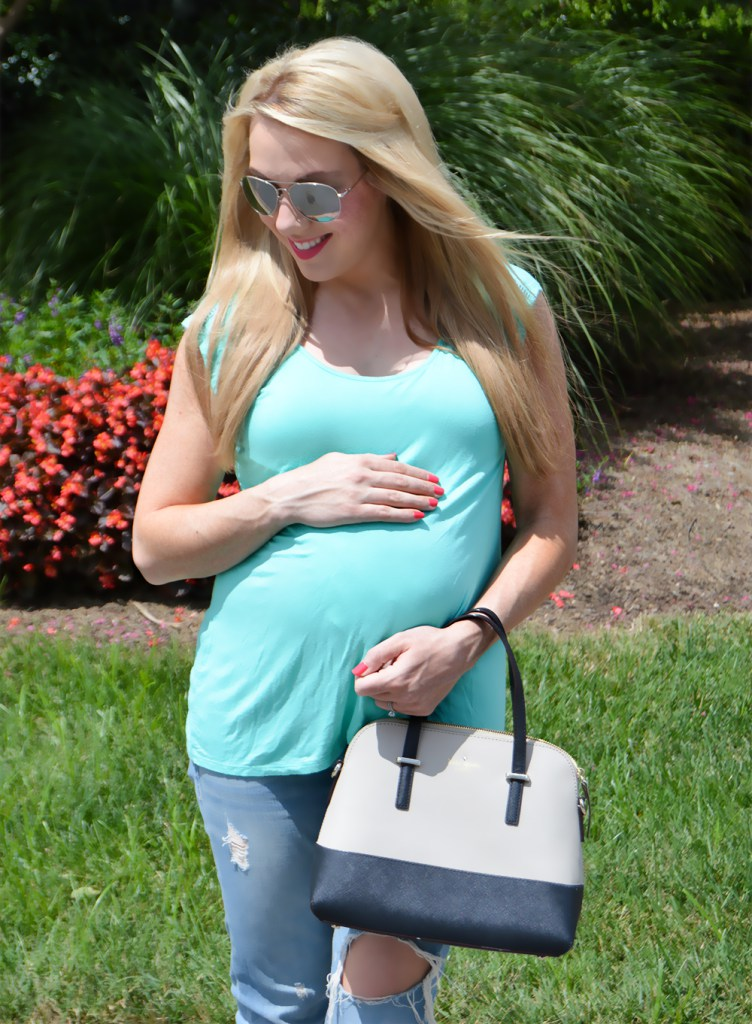 Boyfriend Jeans Maternity Outfit