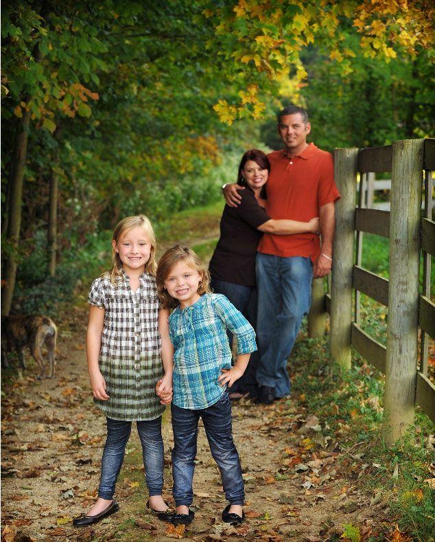 Unique family portrait idea pose picture ideas 11