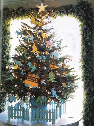 Unique Christmas Tree Decorating Idea