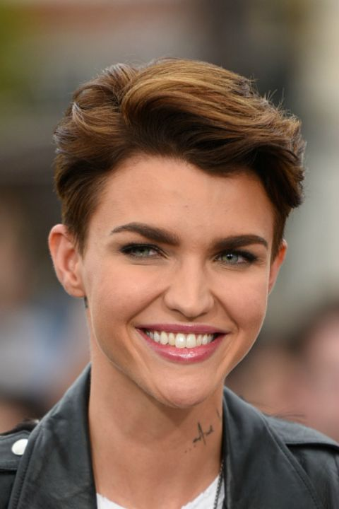 Elegant Short Hairstyles For Women (10)