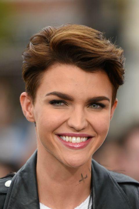Elegant Short Hairstyles For Women (10)