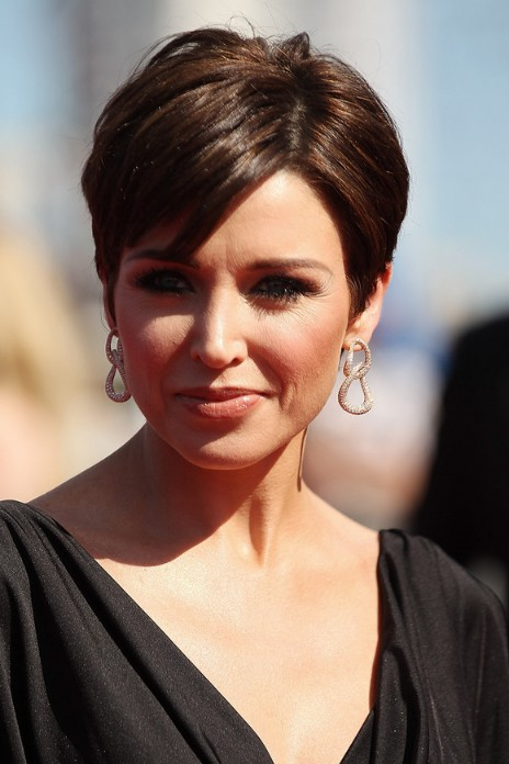 Elegant Short Hairstyles For Women (21)