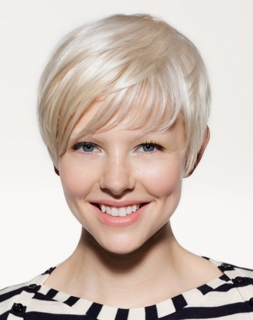 Elegant Short Hairstyles For Women (22)