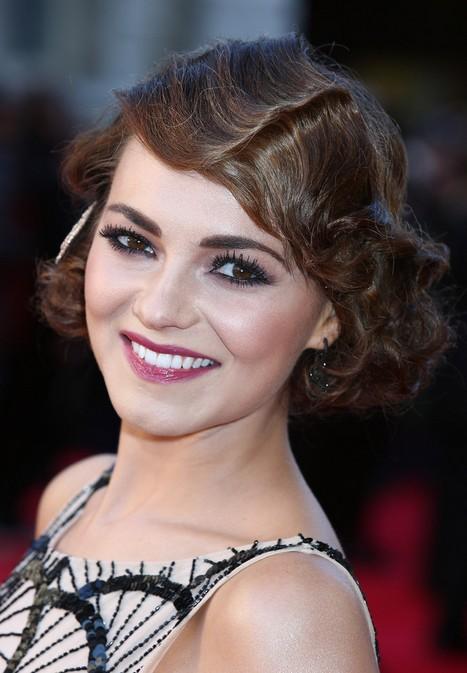 Elegant Short Hairstyles For Women (38)