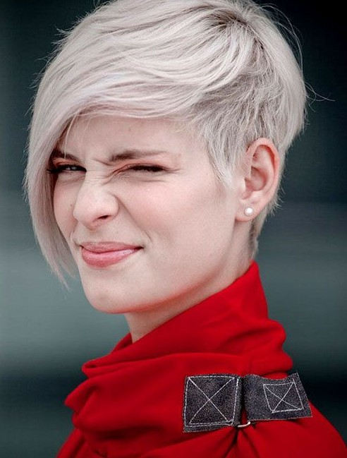 Elegant Short Hairstyles For Women (43)