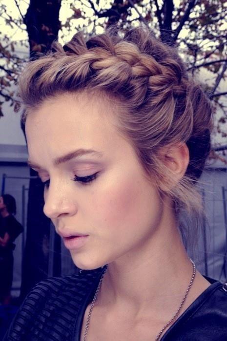 Elegant Short Hairstyles For Women (47)