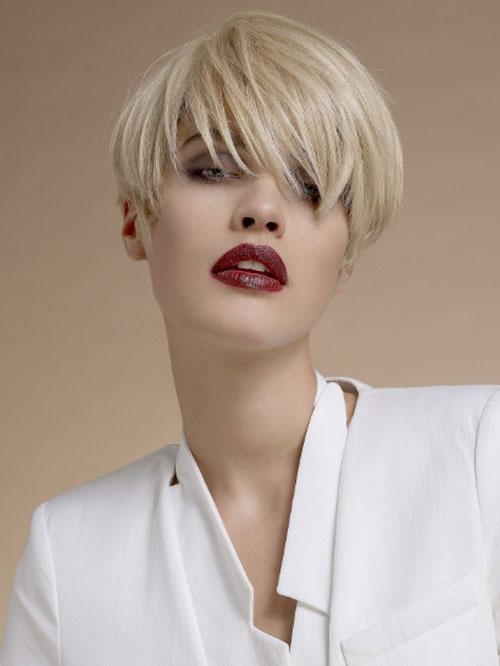 Elegant Short Hairstyles For Women (49)