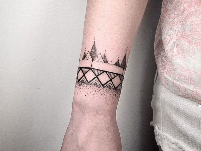 Wrist Tattoos Ideas For Men And Women (3)