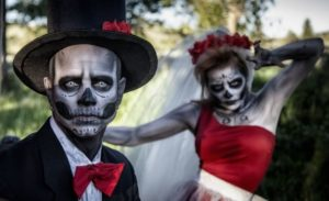 25 Couples Halloween Costumes Ideas