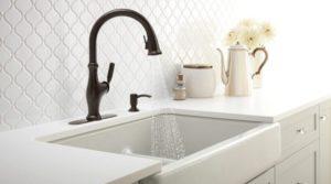 25 Amazing Farmhouse Style Kitchen Sinks