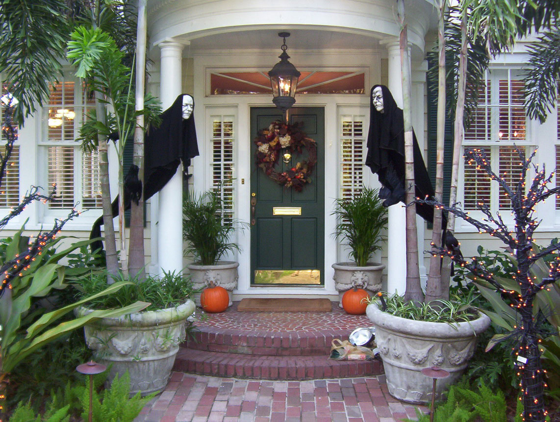 30 Scary Outdoor Halloween Decor Ideas