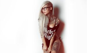 25 Stunning Tribal Tattoo Designs for Men & Women