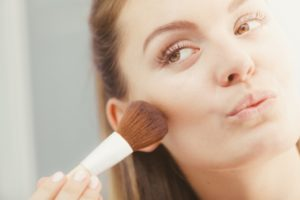 How to Apply Bronzer: Your Complete Guide