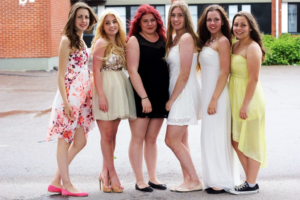 3 Tips to Being Lady Like in a Short Prom Dress