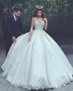 Rules for Accessorizing Your Wedding Dress