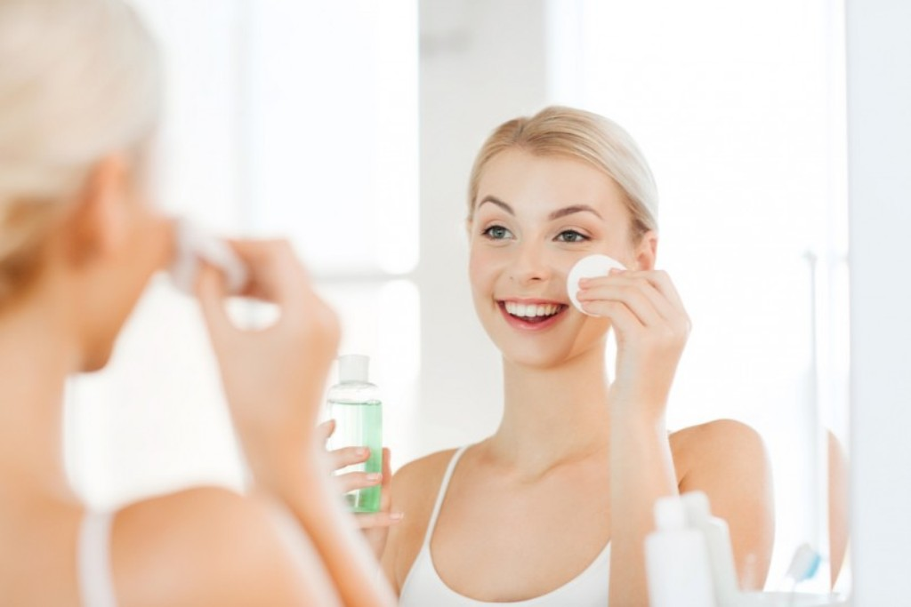 Why You Need to Follow a Regular Skincare Routine