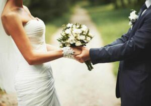 Should You Get Married on a Weekend or a Weekday? Here are Some Pros and Cons